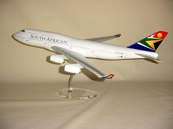 Flugzeugmodell: SAA South African Airways Boeing 747-400 1:100