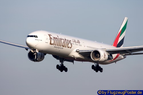 <Emirates Airlines / Boeing 777-300