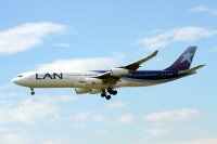 LAN Airlines / Airbus A340-300